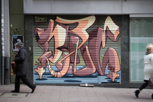 Birne_graffiti_Wuppertal_Neumarkt